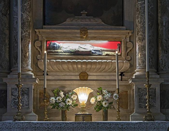 San Salvador Interno - corpo di San Teodoro