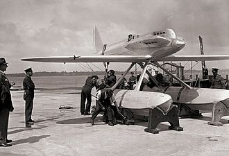 Supermarine S.5 - The first S.5 (N219) at Calshot during preparations for the 1929 Schneider Trophy Contest