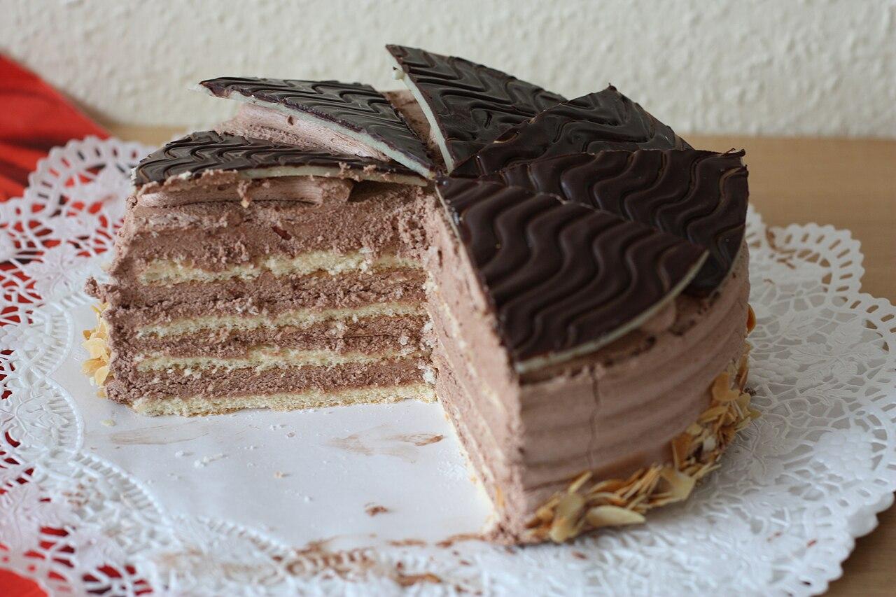 File Schokoladentorte Buttercreme Tulpen Dritter Geburtstag 016 Jpg