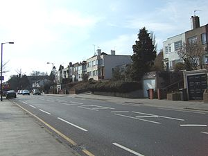 A2022 road - Image: Section of the Art Deco houses in Selsdon