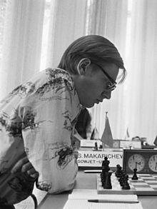 http://upload.wikimedia.org/wikipedia/commons/thumb/7/78/Sergei_Makarichev_1975.jpg/220px-Sergei_Makarichev_1975.jpg