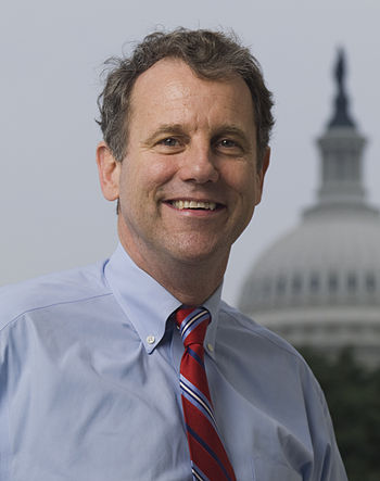 English: Official photo of Senator Sherrod Bro...