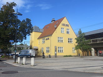 Skøyen Station - Gleditsch's station building