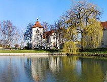 Slaviborské sq Pond, Prague Třeboradice.jpg