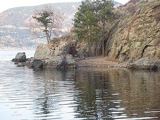 Rattlesnake Island (Okanagan Lake) - Image: Small Beach on Southern Side of Rattlesnake Island