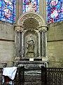 Soissons (02), cathédrale, chapelle rayonnante nord-est, autel et retable de saint Pierre 1.jpg