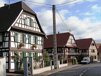 Souffelweyersheim - Image: Souffelweyersheim, houses, Pict 6638a