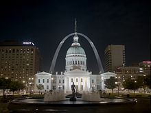 L'Old Courthouse et la Gateway Arch.
