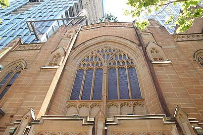 How to get to St Stephen's Uniting Church with public transport- About the place