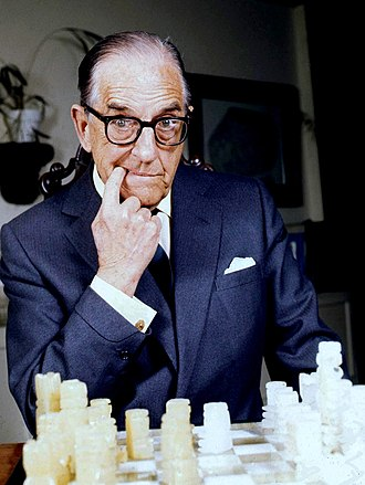 Stanley Holloway - Stanley Holloway in 1974