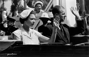 Half hat - Elizabeth II wore a half hat during a 1954 visit to Queensland