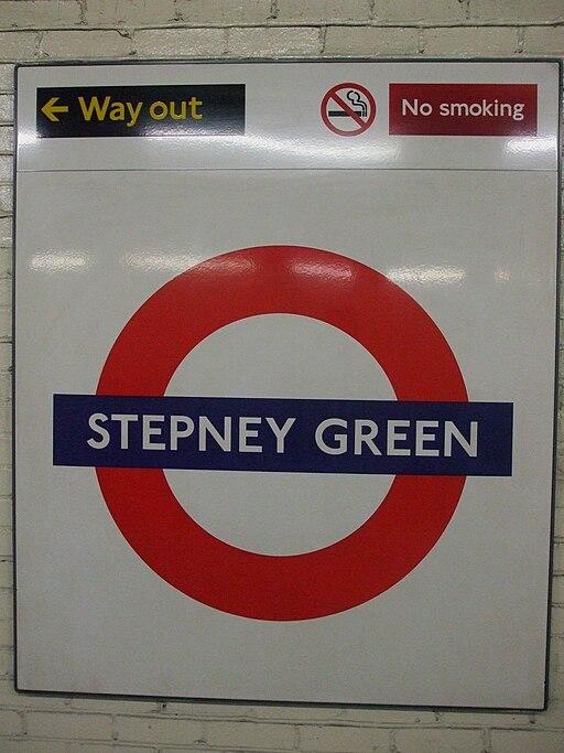 Stepney Green stn roundel