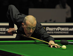 Steve Davis at German Masters Snooker Final (DerHexer) 2012-02-05 08.jpg