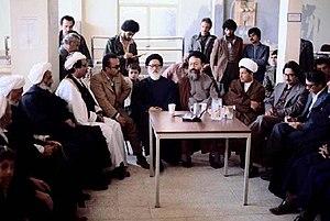آیت الله طالقانی در سنندج برای حل مسئله کردستان