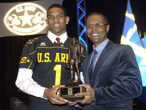 East quarterback Terrelle Pryor of Jeannette, ...