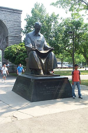 Tesla statue at Niagara Falls