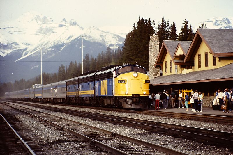 File:The Canadian (Banff).jpg