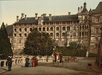 The Castle, wing of Francis I, the facade, Blois, France-LCCN2001697584.jpg