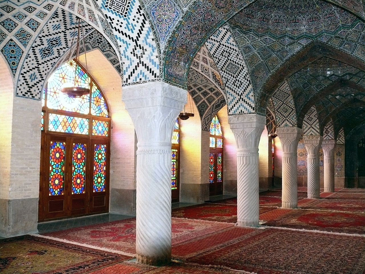 http://upload.wikimedia.org/wikipedia/commons/thumb/7/78/The_Nasr_ol_Molk_mosque_at_Shiraz.jpg/1280px-The_Nasr_ol_Molk_mosque_at_Shiraz.jpg