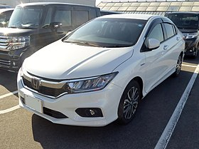 The frontview of Honda GRACE HYBRID EX・Honda SENSING (DAA-GM4).jpg