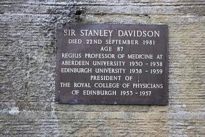 Stanley Davidson - The grave of Sir Stanley Davidson, Currie Churchyard, Edinburgh