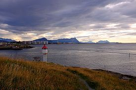 The lighthouse on the promontory of Nyholmen by Bodø harbor.jpg
