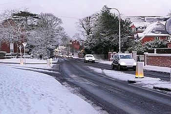 English: Tilehurst Road This is normally chock...
