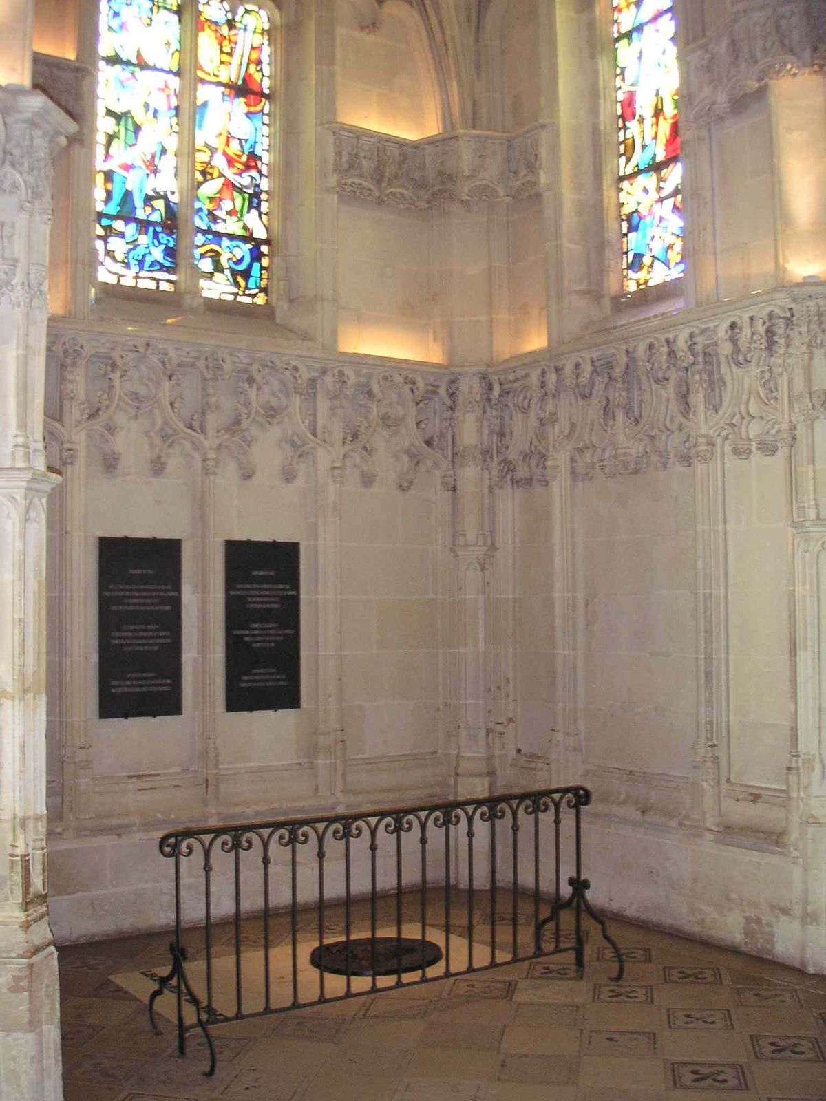File Tombe De Léonard De Vinci Jpg Wikimedia Commons