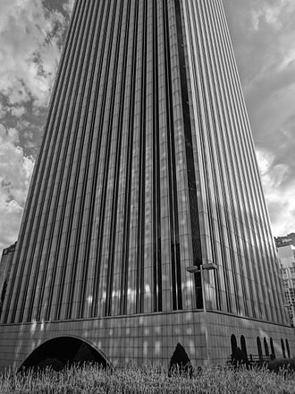 Districts of Madrid - A Black and white photograph of the Torre Picasso (Picasso Tower) looking southwest