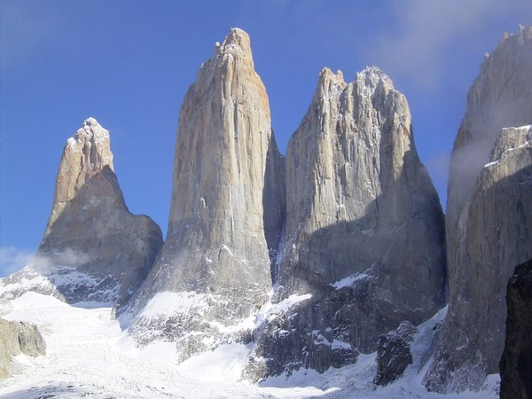 Granite rock formation in the Chilean Patagonia. Like most inorganic minerals formed by oxidation in the Earth's atmosphere, granite consists primarily of crystalline silica SiO2 and alumina Al2O3. Torres del Paine, Patagonia (2004).jpg