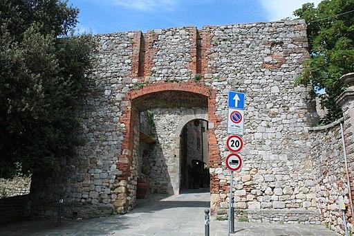 Montefollonico, Porta Nuova