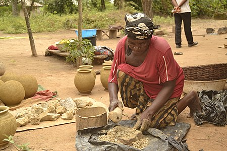 Traditional pottery in Nigeria (Ikpu ite) 3.jpg