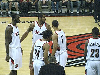 Brandon Roy - Brandon Roy with his Portland teammates