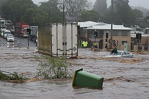 2010–11 Queensland floods - Image: Trapped woman on a car roof during flash flooding in Toowoomba 2