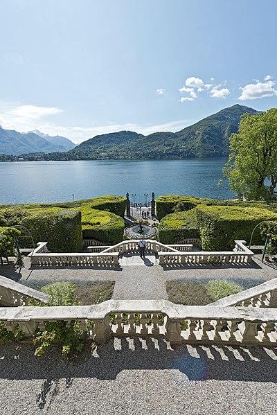File:Tremezzo Villa Carlotta.jpg