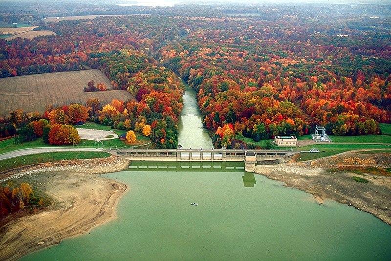 [عکس: 800px-USACE_Berlin_Dam_Mahoning_River.jpg]