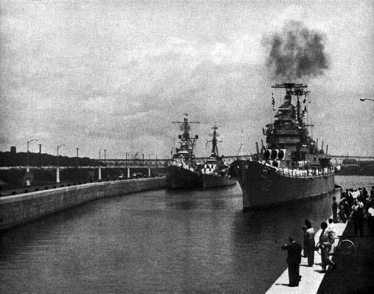 U 2 1959 File:US warship...