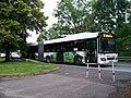 Uhříněves, Husovo náměstí, autobus Volvo 7700A ČSAD Polkost 1601 na lince 387.jpg