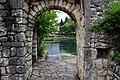 Under the Arch (41493508330).jpg