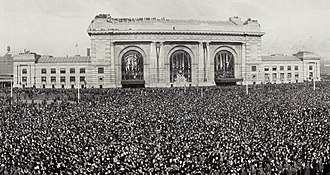 Kansas City Union Station - A large crowd gathered in front of Union Station for the 1921 dedication of the Liberty Memorial site.