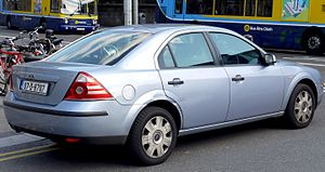 Ford Mondeo (second generation) - Saloon