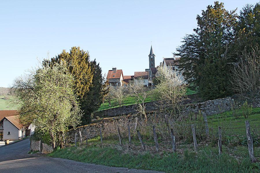 Le village de Vaux-Saules depuis le chemin du Puits