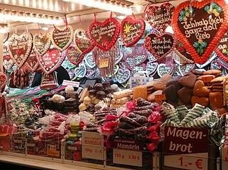 Lebkuchen - Image: Verkaufsstand mit Süßigkeiten