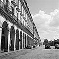 Verkeer op de Rue de Rivoli, Bestanddeelnr 254-0297.jpg