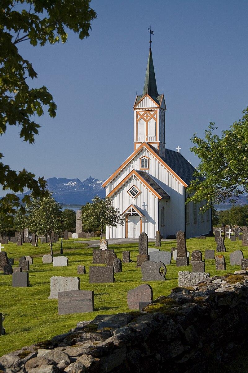 Vevelstad kirke 1.jpg