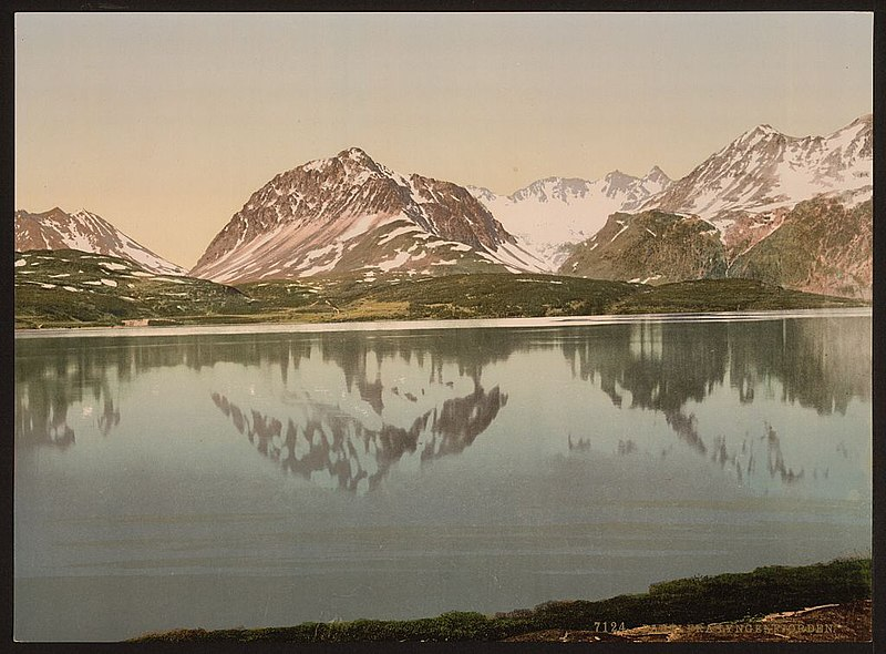 File:View from fjord, Lyngenfjord, Norway LOC 3174190723.jpg