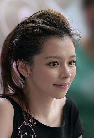 Vivian Hsu - Image: Vivian 4comp