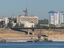 Volgograd bridge construction 2007.jpg