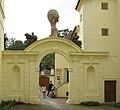 Vstupní brána Vrtbovské zahrady.JPG