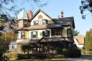 House at 556 Lowell Street - Image: Wakefield MA 556Lowell Street